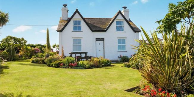 £475,000, 4 Bedroom Detached House For Sale in Bwlchtocyn, LL53