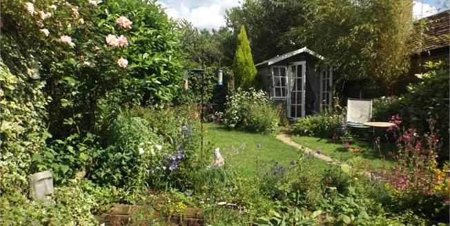 Asking Price £375,000, 2 Bedroom Semi Detached Cottage For Sale in West Chiltington, RH20