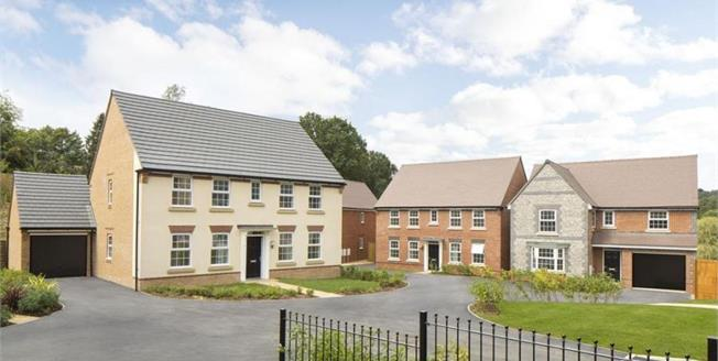 £554,995, 4 Bedroom Detached House For Sale in Pulborough, RH20