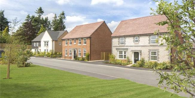 £559,995, 4 Bedroom Detached House For Sale in Pulborough, RH20