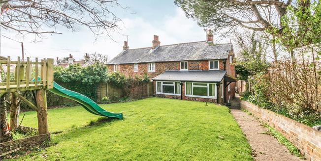 Asking Price £375,000, 3 Bedroom Semi Detached House For Sale in Pulborough, RH20