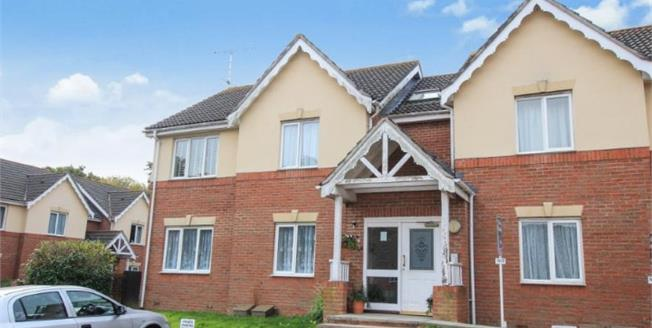 Asking Price £150,000, 1 Bedroom Flat For Sale in Storrington, RH20
