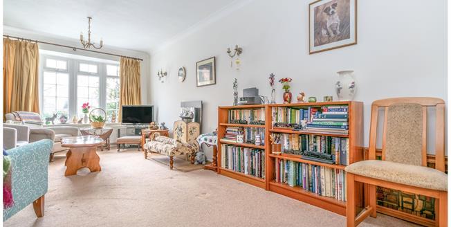 Guide Price £300,000, 3 Bedroom Terraced House For Sale in Storrington, RH20