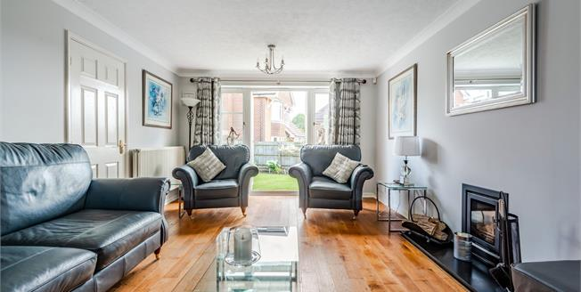 Asking Price £500,000, 4 Bedroom Detached House For Sale in Ashington, RH20